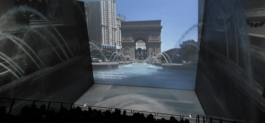 Comme le montre le film du Pass, à Las Vegas, en plein désert, l'eau coule à flot...