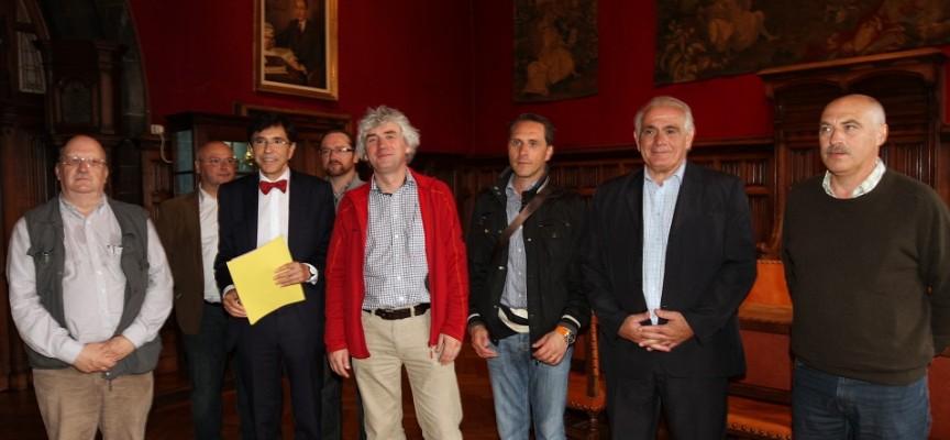 Le bourgmestre de Mons soutient la candidature du Géoparc du Bassin de Mons (ph.F.Patty).