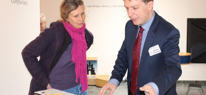 Emmanuel Houdart, cheville ouvrière de la MdM, avec Nathalie Clausse, du service éducatif du Pass.