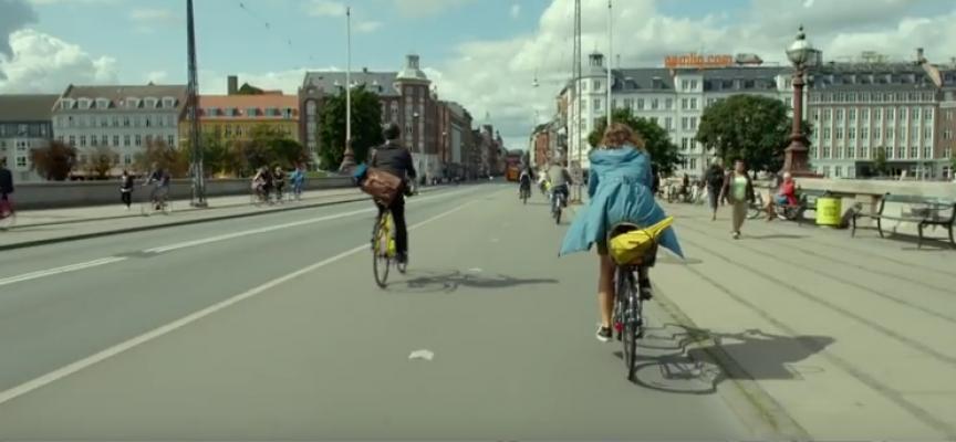 A Copenhague, des pistes cyclables hyper larges.