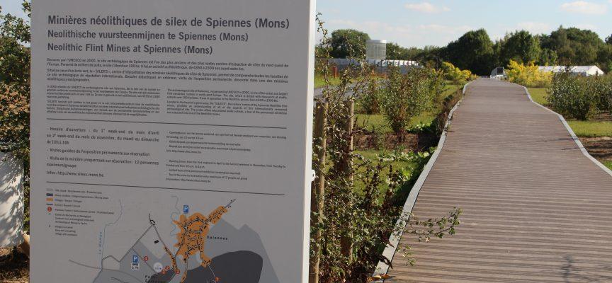 Les minières néolithiques de Spiennes, reconnues par l'UNESCO depuis 2000.